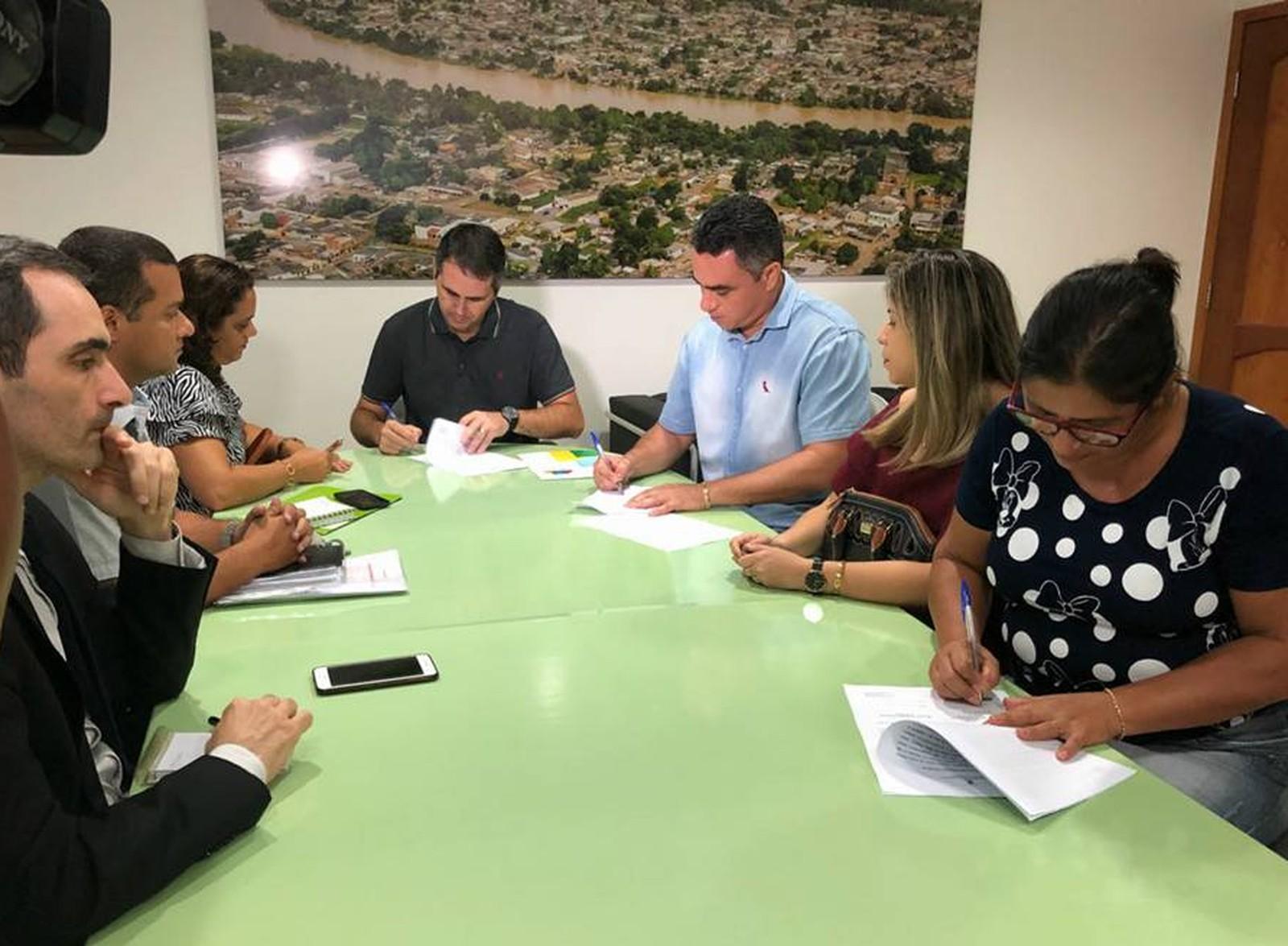 Termo de cooperação entre municípios foi assinado na quarta (28) (Foto: Assis Lima/Asscom )